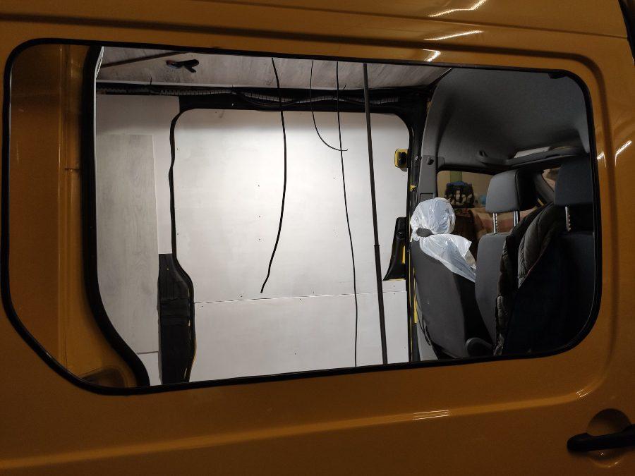 ventana lateral furgoneta